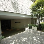 Entrance | ROPPONGI HILLS RESIDENCE C TOWER Exterior photo 17