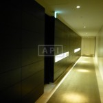Sharing Hallway | ROPPONGI HILLS RESIDENCE C TOWER Exterior photo 08