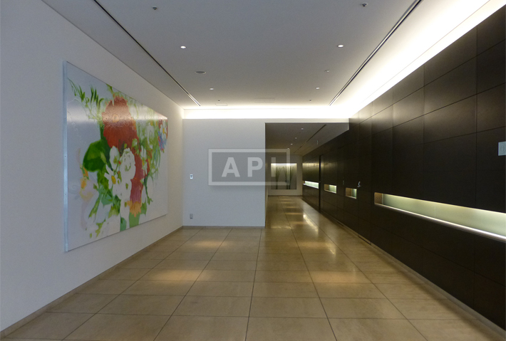 Sharing Hallway | ROPPONGI HILLS RESIDENCE C TOWER Exterior photo 04
