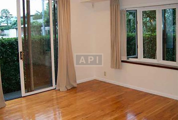   EGI COMPOUND A  Interior photo 07