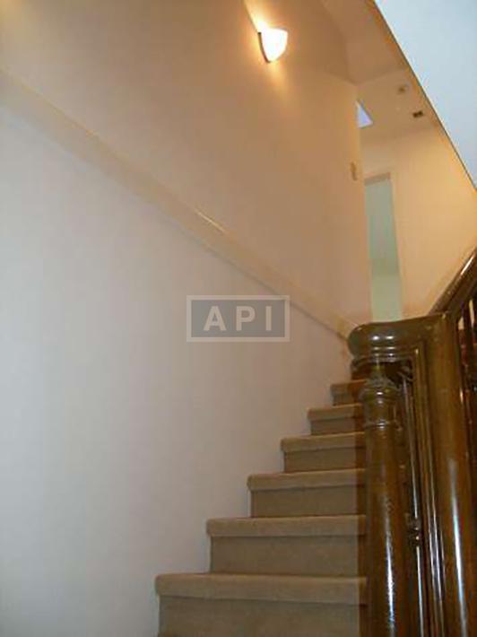   EGI COMPOUND A  Interior photo 09