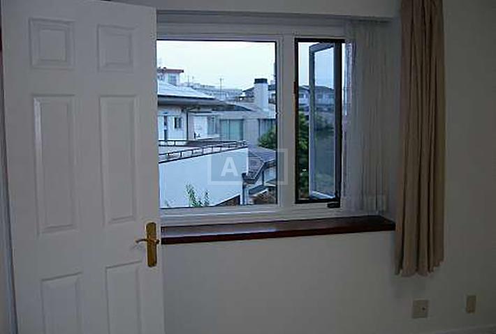   EGI COMPOUND A  Interior photo 17