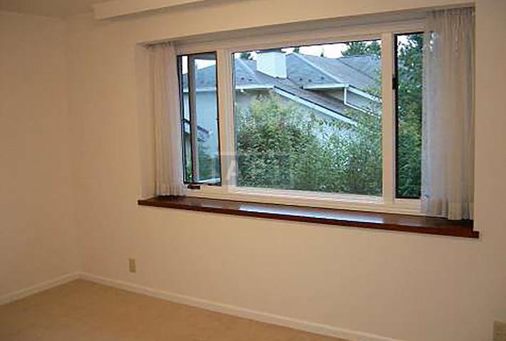   EGI COMPOUND A  Interior photo 14