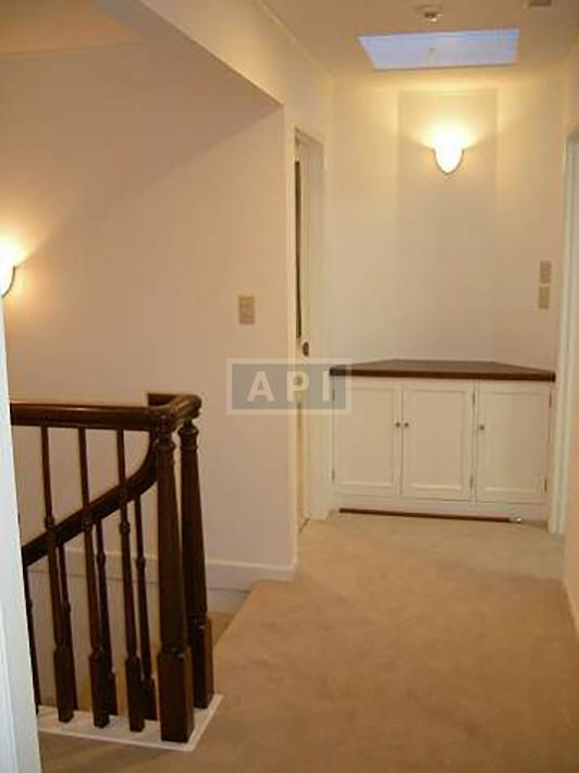   EGI COMPOUND A  Interior photo 12